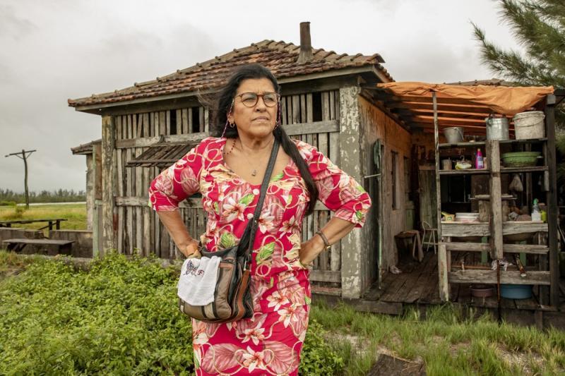 Amor de Mãe: Lurdes chega em Malaquitas e corre risco de vida