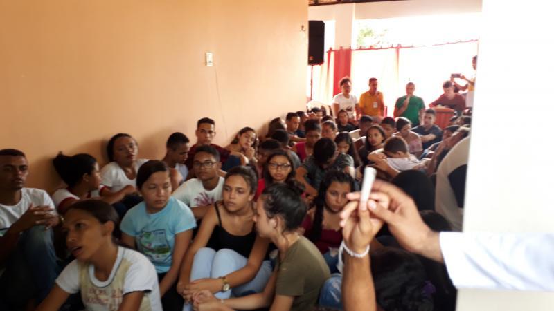 BENEDITINOS: Jovens passam o carnaval em oração