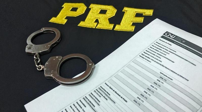 PRF prende dois homens com mandados de prisão em aberto no PI