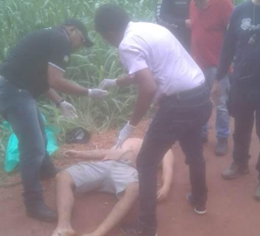 Entre José de Freitas e Santa Teresa homem é morto a tiros
