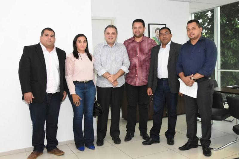 Joel Rodrigues e Comissão da Saúde da Câmara discutem situação do HTN em Teresina