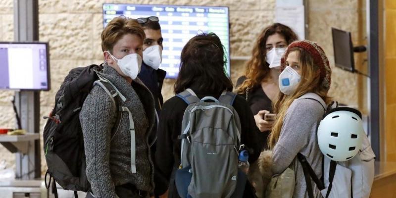Homem suspeito de ter coronavírus deixa hospital antes do 2º exame