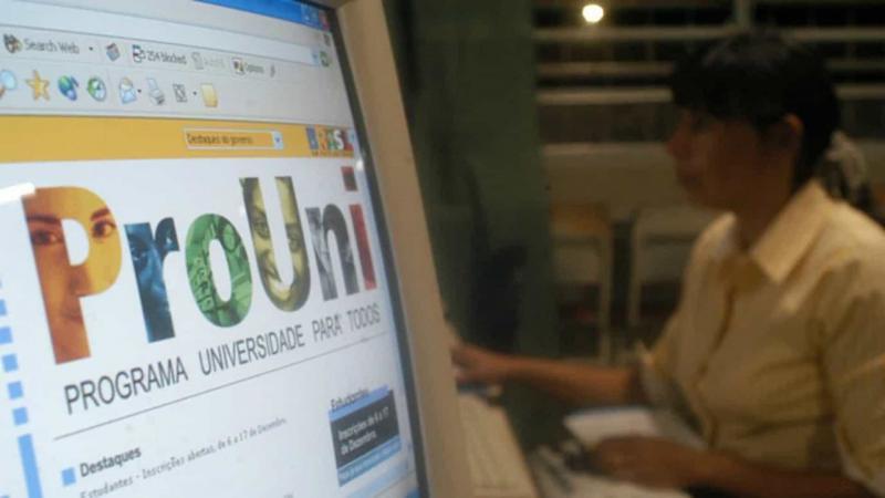 Prazo para selecionados comprovarem dados no ProUni encerra hoje