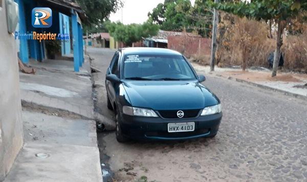 Golpistas fazem mais vítimas em Piripiri e carro dos suspeitos é fotografado