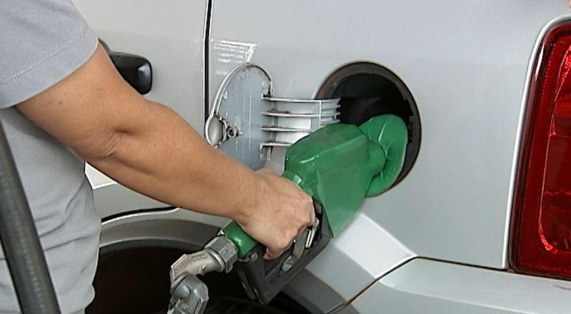 Preço da gasolina sobe pela 14ª semana seguida