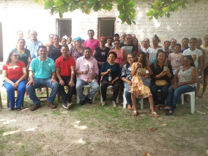 Senadora Regina Sousa visita lideranças e a Associação das Quebradeiras de Coco em Cabeceiras