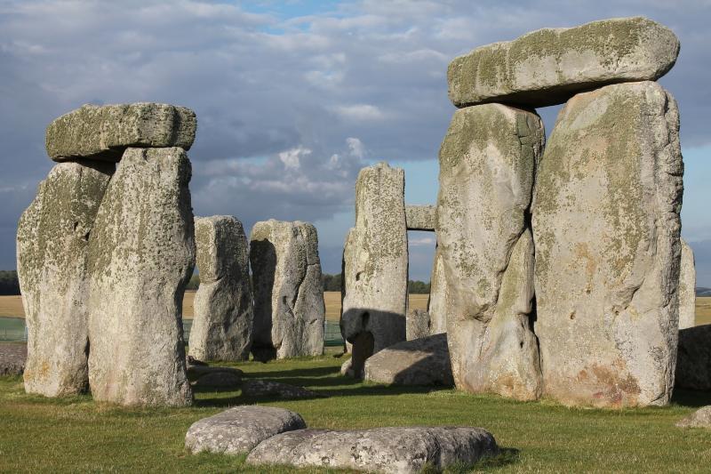 Ruínas do possível antigo cemitério de Stonehenge / Imagem: Pixabay