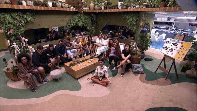 Jogo da Discórdia movimenta os brothers na madrugada — Foto: Globo