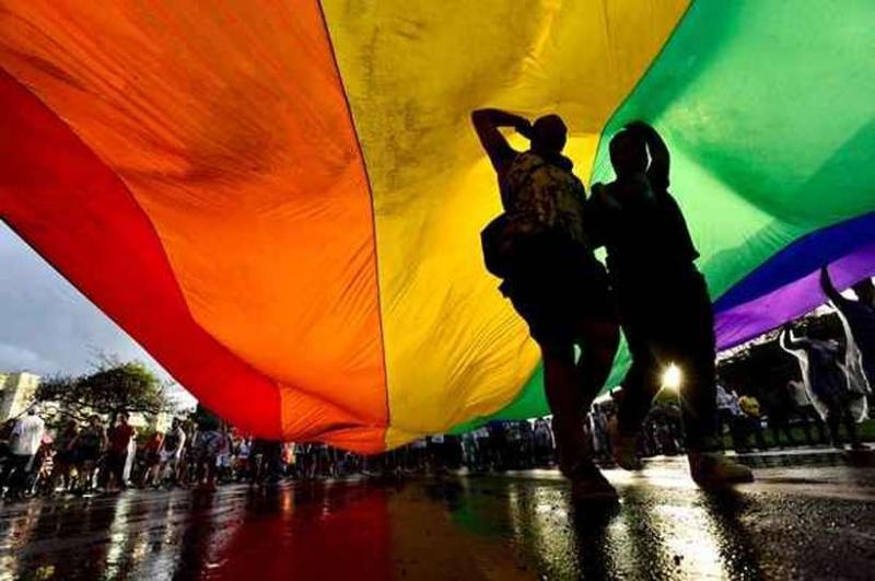 Presidente russo propõe proibir casamento homossexual na Constituição