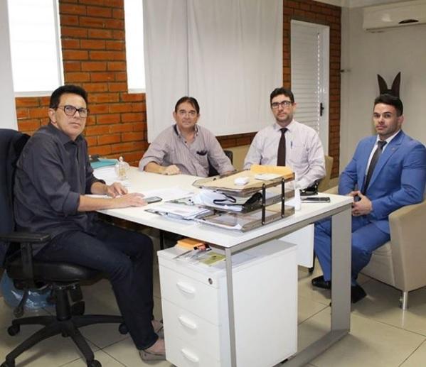Zé Santana se reúne com deputado e gestores para encaminhar projetos