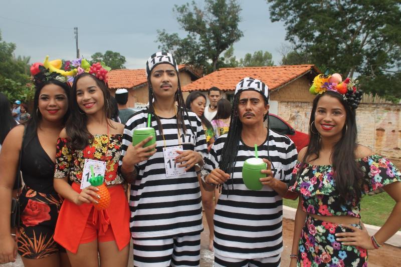 Segundo dia de Zé Pereira de São Pedro do Piauí reúne milhares de foliões