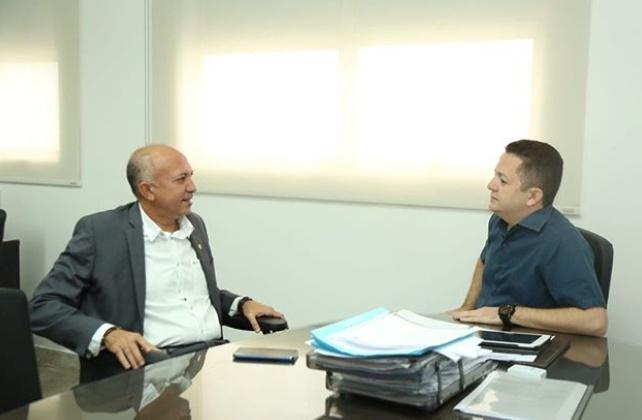 Deputado Warton Lacerda trata de demandas da saúde com diretor do Hemopi