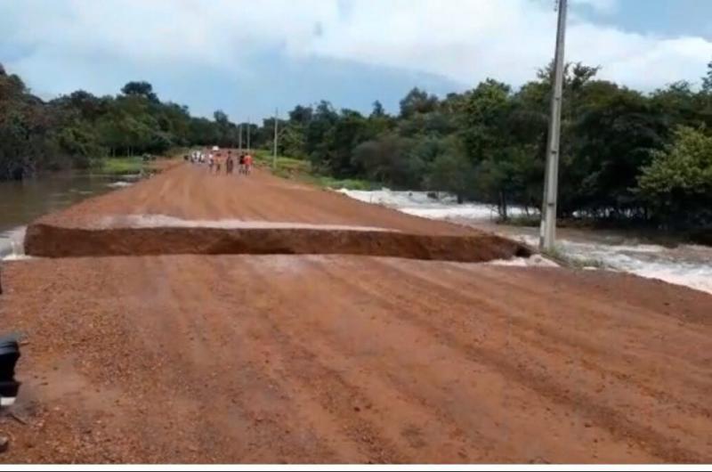 Local do rompimento na rodovia que liga Brasileira ao Parque 7 cidades