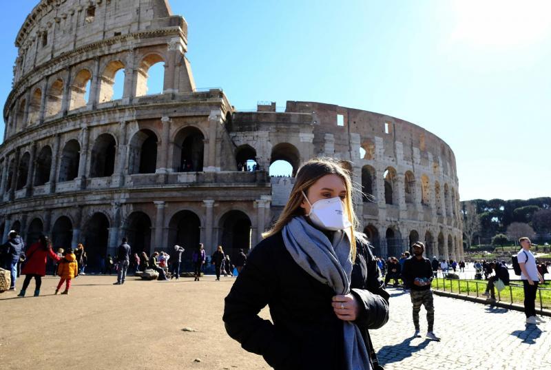 Itália põe Milão, Veneza e região em quarentena para conter coronavírus