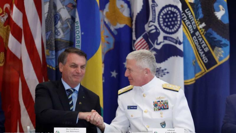 Brasil assina acordo militar com EUA
