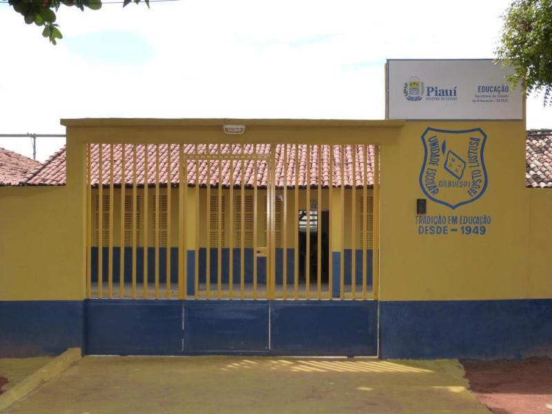 Unidade Escolar Fausto Lustosa é Referência na Região