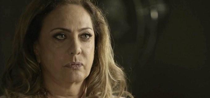'O Outro Lado do Paraíso': Clara inicia vingança e faz Nádia dar flagrante em juiz no bordel