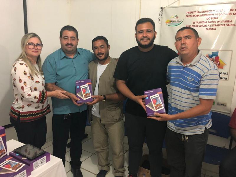 Prefeitura realiza entrega de tablets a agentes de saúde
