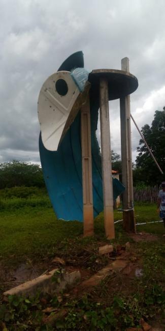 Descaso: Comunidade Marcos Sofre com Falta de Água.