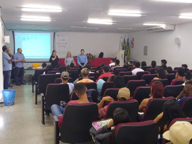 SEMED e IFPI de Cocal realizam aula inaugural do PROEJA