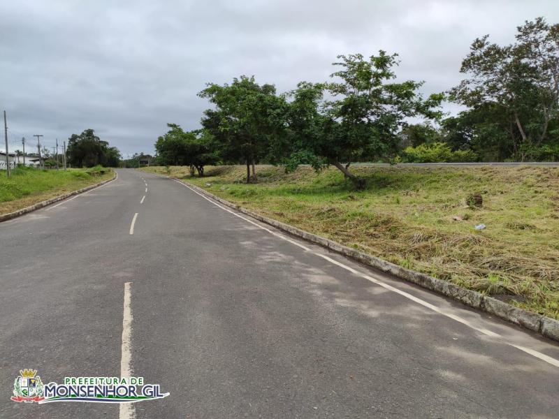Prefeitura de Monsenhor Gil intensifica serviços de limpeza em toda cidade