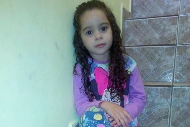 Menina de 7 anos morre após participar de desafio na internet