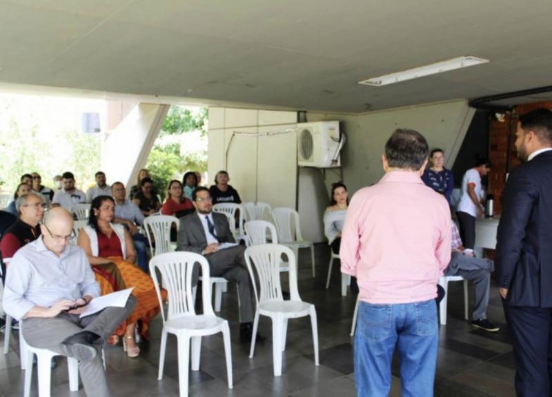 Zé Santana participa de reunião sobre prevenção ao coronavírus