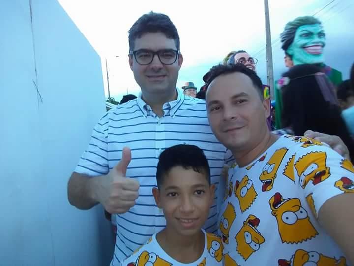 Demervalense George Veloso participa do corso de Teresina na comitiva do prefeito Firmino Filho