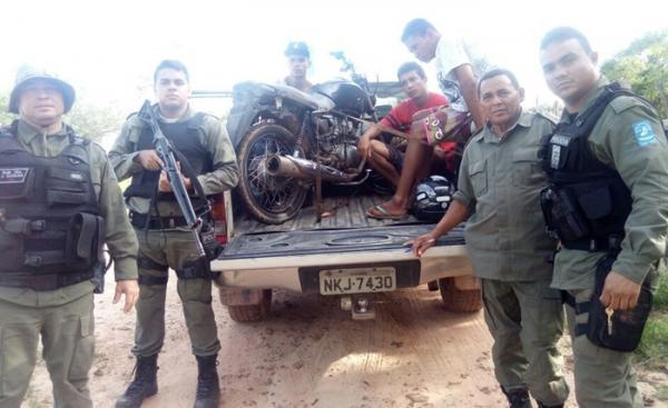 PM prende três suspeitos de assalto a posto de combustível no município de Monte Alegre