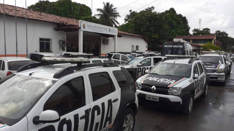 Em meio a pandemia, grupo com 40 pessoas é preso após realizar festa