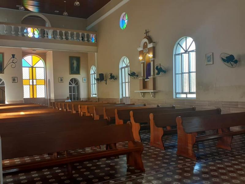 Na missa dominical Igreja fica fazia