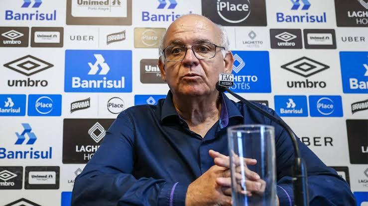 Romildo Bolzan, presidente do Grêmio, testa positivo para coronavírus