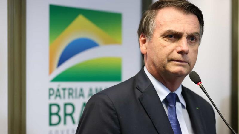 Bolsonaro cria MP que suspende contrato de trabalho por 4 meses