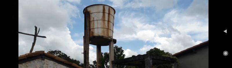 Caixa d'água do povoado Pedras, zona rural de Cabeceiras do Piauí.