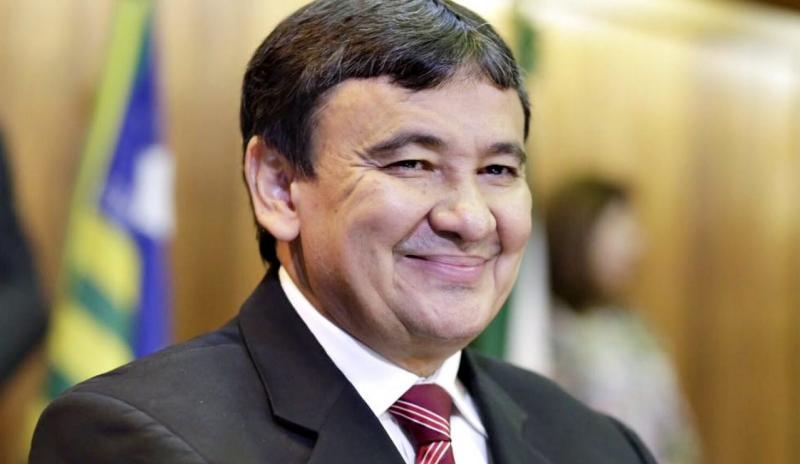 Wellington Dias elogia modelo de vacinação adotado em Francinópolis