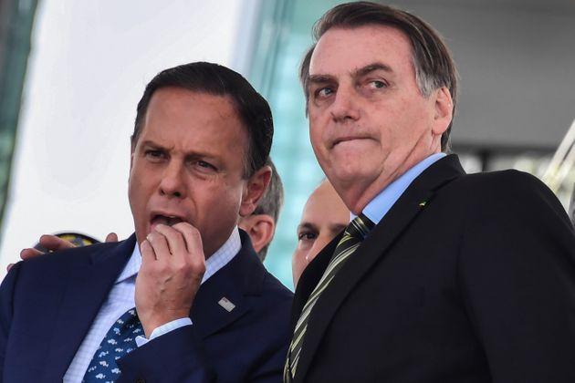 Bolsonaro e Doria trocam acusações em reunião sobre coronavírus