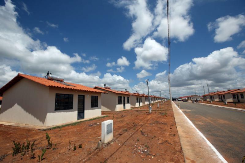 Governo anuncia meta de 650 mil unidades do minha casa minha vida para 2018 for Casa governo it 2018