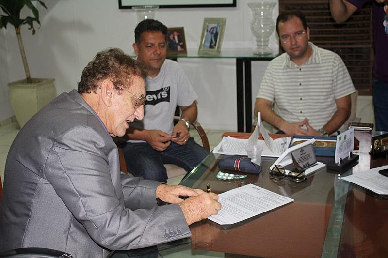 Prefeito autoriza reabertura do comércio em Parnaíba