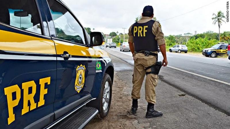 PRF intensifica fiscalização nas rodovias do Piauí durante o Carnaval