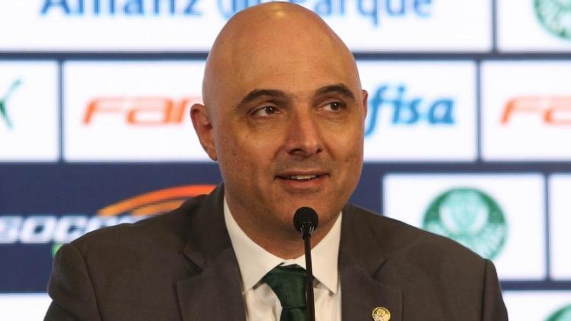 Palmeiras fará estudo para definir se é necessário reduzir salário do grupo