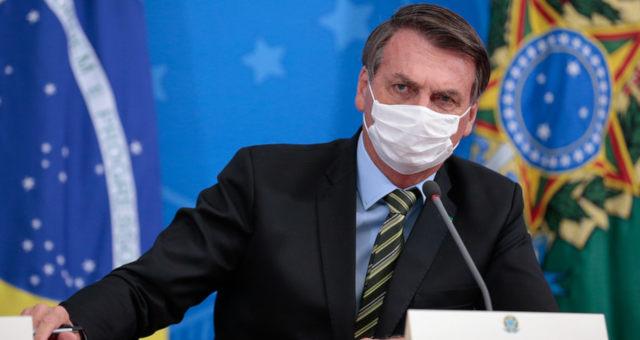 Bolsonaro bate de frente com prefeitos e governadores sobre isolamento