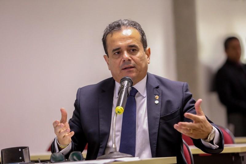 Deputados pedem ao governador Wellington Dias a reabertura do comércio