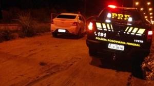 PRF recupera veículo tomado de assalto em Teresina