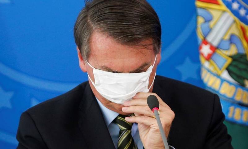 Twitter apaga post de Bolsonaro em que defende fim do isolamento