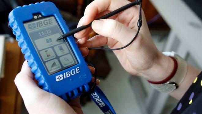 IBGE pede para que população atenda ligações para coleta de dados
