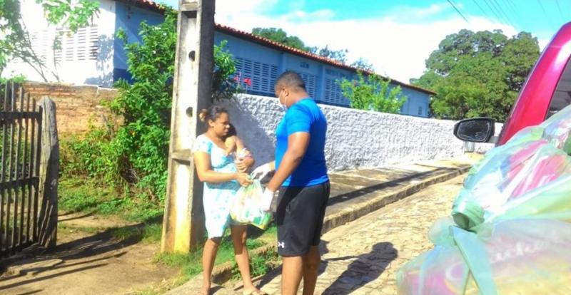 Prefeitura inicia projeto e distribui 2 mil cestas básicas em Amarante