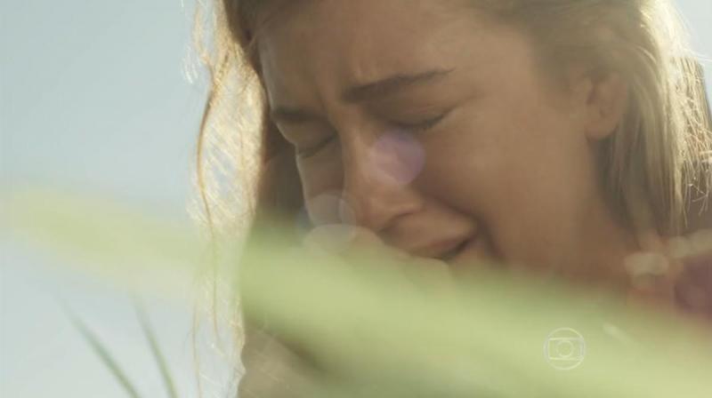 Totalmente Demais: Eliza vai para o Rio de Janeiro após acidente