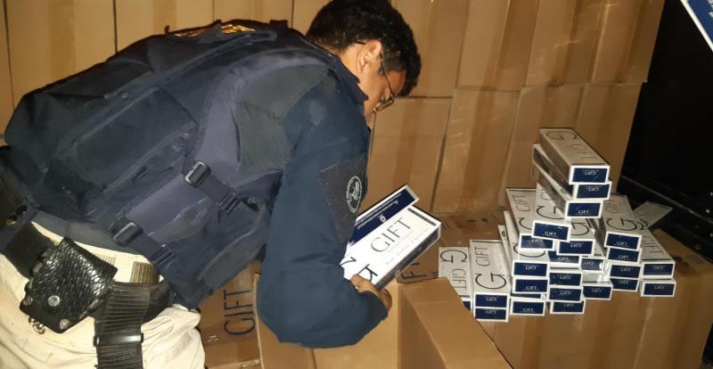 PRF realiza grande apreensão de cigarros contrabandeados no Piauí