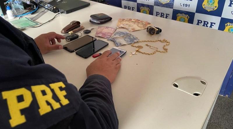 PRF prende três suspeitos de vários assaltos em Teresina