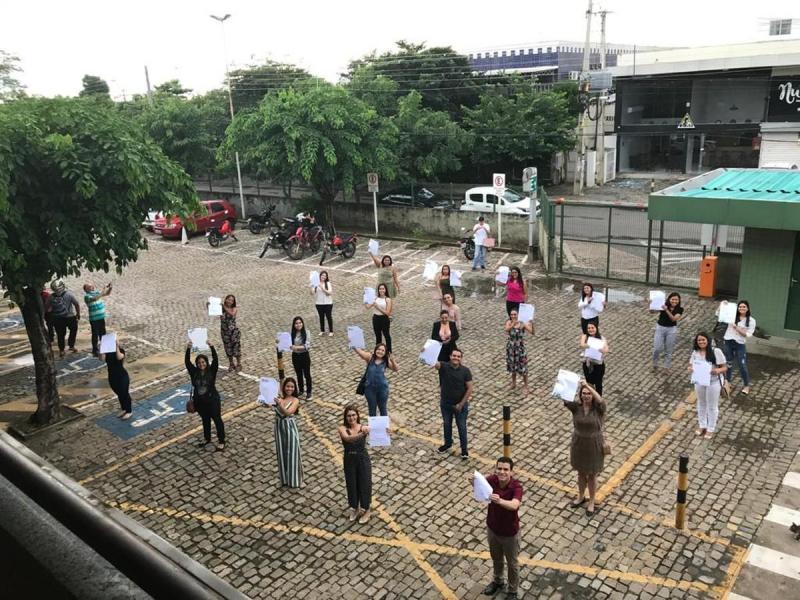 Justiça antecipa formatura de enfermeiros para reforço em hospitais